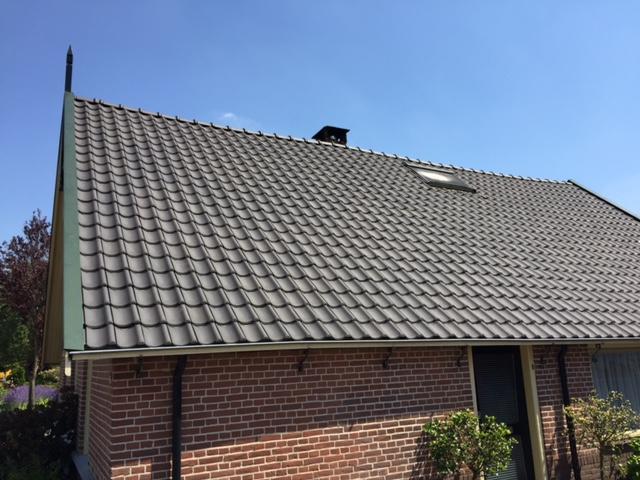 Nieuwe dakpannen voor woonhuis in Nijkerk